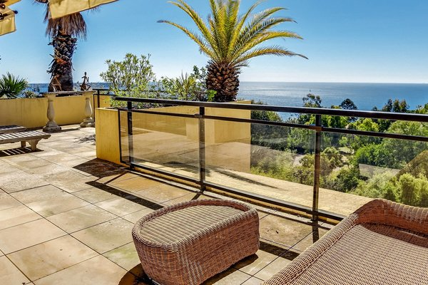 eric laboure immobilier annonces immobilieres cannes 06 vente. Black Bedroom Furniture Sets. Home Design Ideas