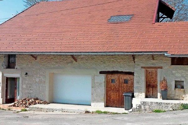 Scp lafay dogneton annonces immobilieres artemare 01 vente for Maison champagne en valromey