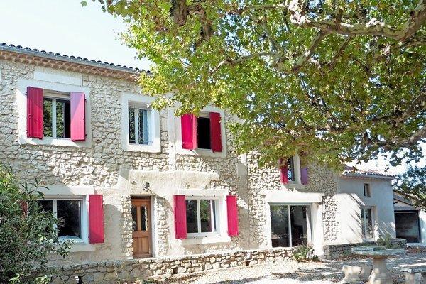 vente maison villa 6 pi ces 187 m cavaillon immocial transactions 1420471. Black Bedroom Furniture Sets. Home Design Ideas