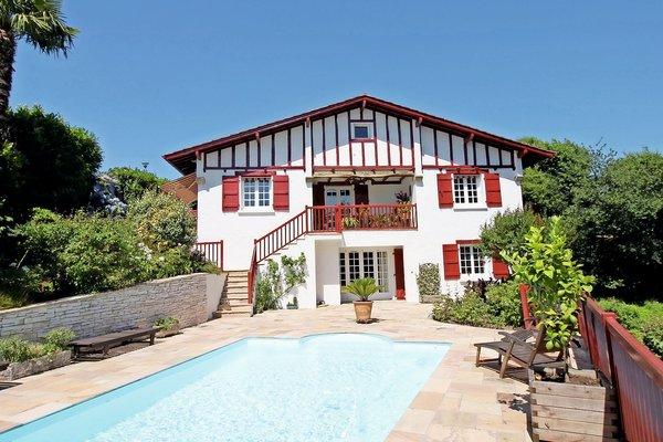 Vente maison villa 8 pi ces 200 m ascain emile garcin for Emile garcin biarritz