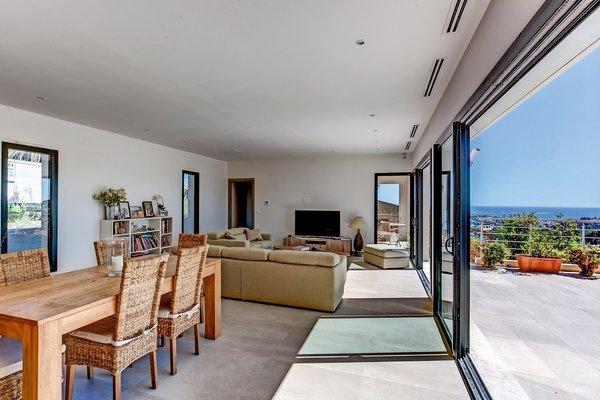 vente maison villa cagnes sur mer riviera lifestyle 1420320. Black Bedroom Furniture Sets. Home Design Ideas