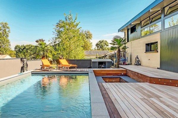 Vente maison villa 5 pi ces 350 m floirac espaces for Piscine floirac