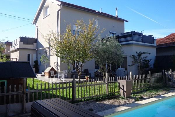 VILLEFRANCHE-SUR-SAÔNE - Annonce Maison à vendre8 pièces - 190 m²