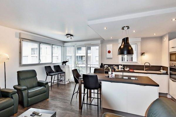 LYON  6EME - Advertisement Apartment for sale3 rooms - 70 m²
