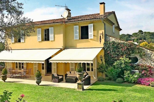 MOUGINS - Annonce Maison à vendre7 pièces - 300 m²