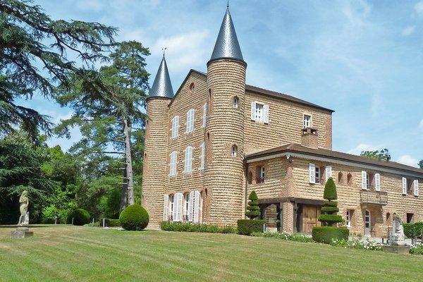 CHATILLON SUR CHALARONNE - Annonce Maison à vendre15 pièces - 700 m²