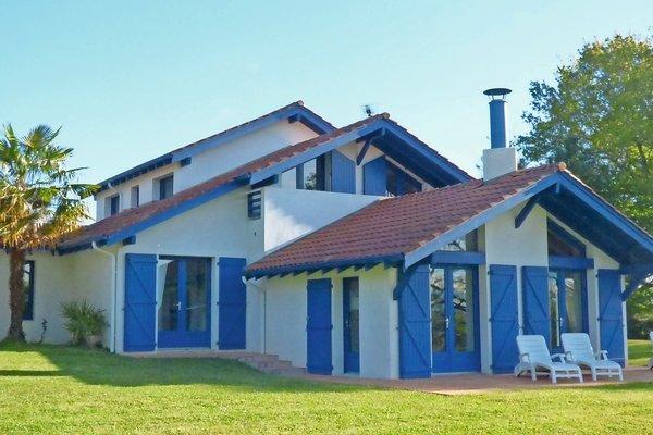 Vente maison villa 8 pi ces 217 m urcuit emile garcin for Emile garcin biarritz