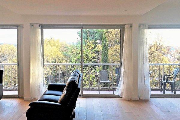 Vente appartement 5 pi ces 103 m aix en provence agence for Agence appartement 103