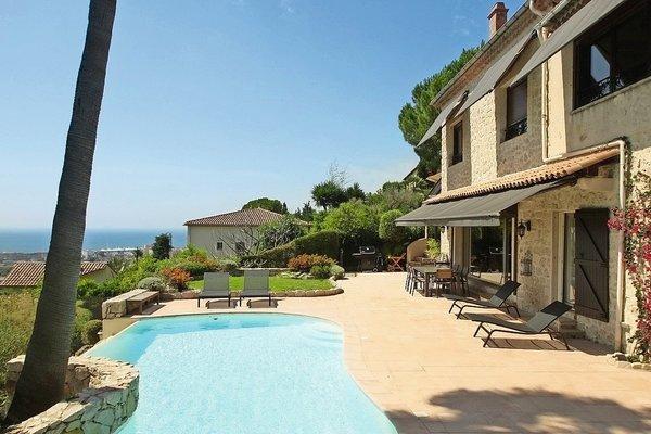 GOLFE JUAN - Annonce Maison à vendre6 pièces - 250 m²