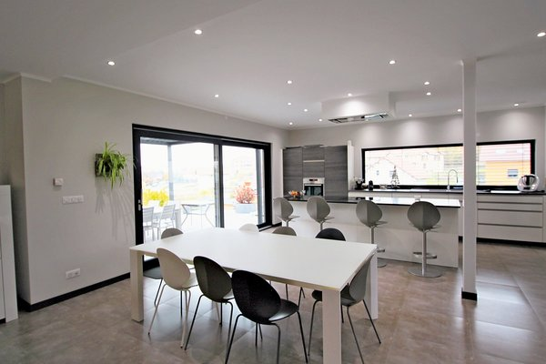 ST-GENIS-POUILLY - Annonce Maison à vendre5 pièces - 250 m²