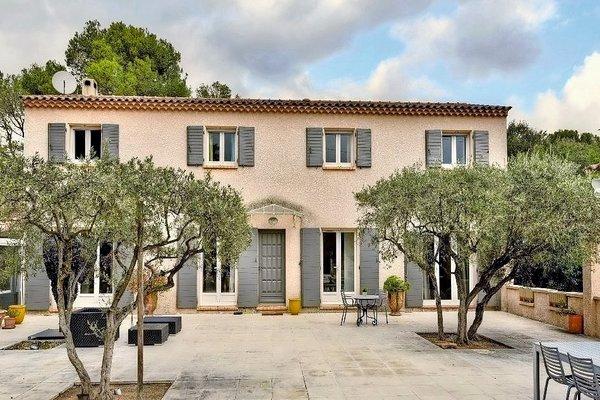 PELISSANNE - Annonce Maison à vendre6 pièces - 195 m²
