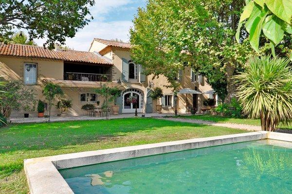 ENTRAIGUES-SUR-LA-SORGUE - Annonce Maison à vendre370 m²