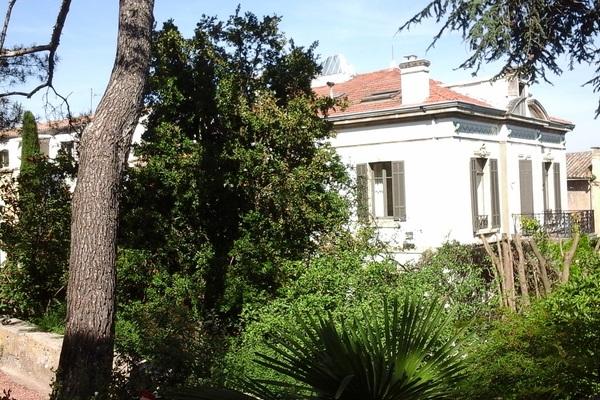 vente maison villa 14 pi ces 435 m cavaillon demeures provencales 1503049. Black Bedroom Furniture Sets. Home Design Ideas