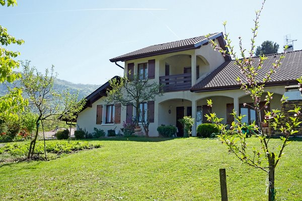 House for sale in ARCHAMPS  - 6 rooms - 180 m²