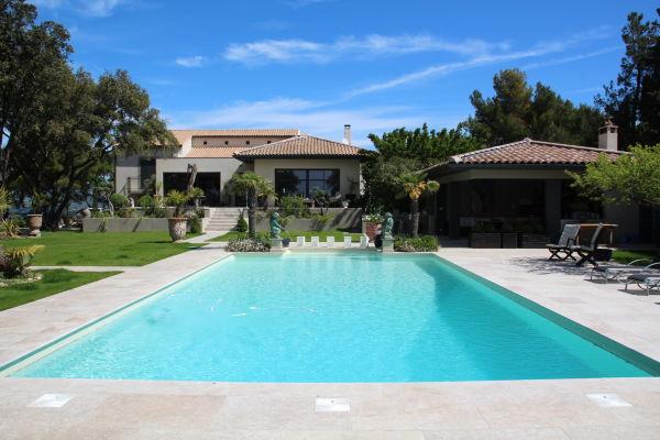 CARPENTRAS - Annonce Maison à vendre8 pièces - 250 m²