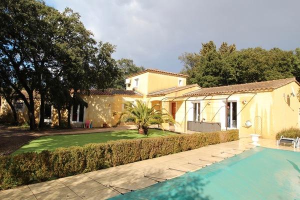 SORGUES - Annonce Maison à vendre5 pièces - 140 m²