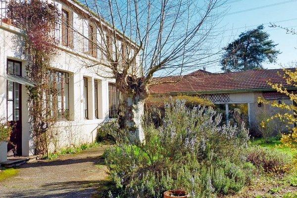 CHATEAUNEUF DE GALAURE - Annonce Maison à vendre9 pièces - 305 m²