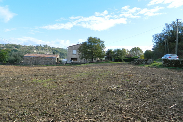 LES VANS - Annonce terrain à vendre1570 m²