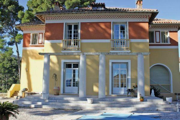 LA CIOTAT - Annonce Maison à vendre8 pièces - 340 m²