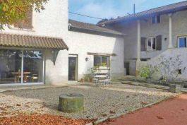 vente maison villa 6 pi ces 320 m reyrieux espaces atypiques lyon 1024527. Black Bedroom Furniture Sets. Home Design Ideas
