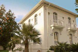 CAGNES-SUR-MER- Maison à vendre - 6 pièces - 200 m²