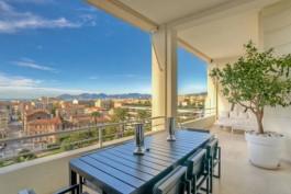 CANNES- Appartement à vendre - 3 pièces - 135 m²