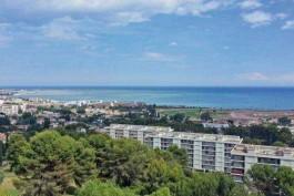 CAGNES-SUR-MER- Appartement à vendre - 2 pièces - 61 m²