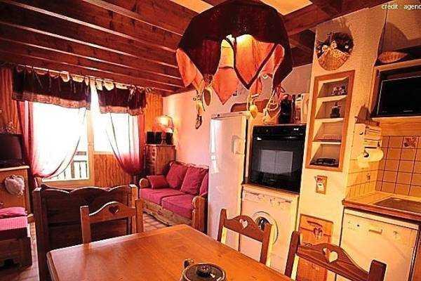LES SAISIES- Appartement à vendre - 4 pièces - 56 m²