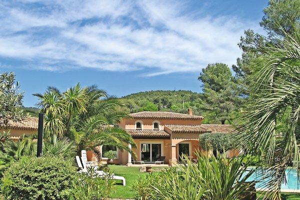 vente maison villa 6 pi ces 250 m draguignan pierre. Black Bedroom Furniture Sets. Home Design Ideas