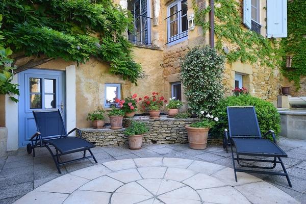 Vente maison villa 9 pi ces 255 m uzes catherine la for Le petit jardin uzes