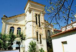 Perpignan, a two-tier market