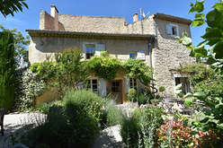 Second residences in the Luberon
