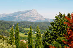 The countryside near Aix, a charming lifestyle...