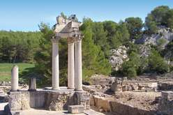 Saint-Rémy and the Alpilles, must-sees in Provence