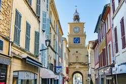 Salon-de-Provence, a green, historic address