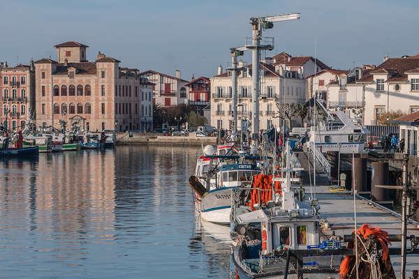 Saint-Jean-de-Luz and its surrounding area - Theme_2414_1.jpg