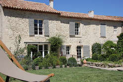 Les Alpilles, the charm of Provence - Theme_2103_3.jpg