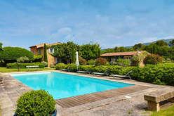 Lourmarin, Provençal elegance - Theme_2266_2.jpg