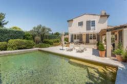 Lourmarin, Provençal elegance - Theme_2266_3.jpg