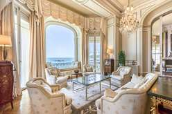 Biarritz, the frenzy continues  - Theme_2390_3.jpg