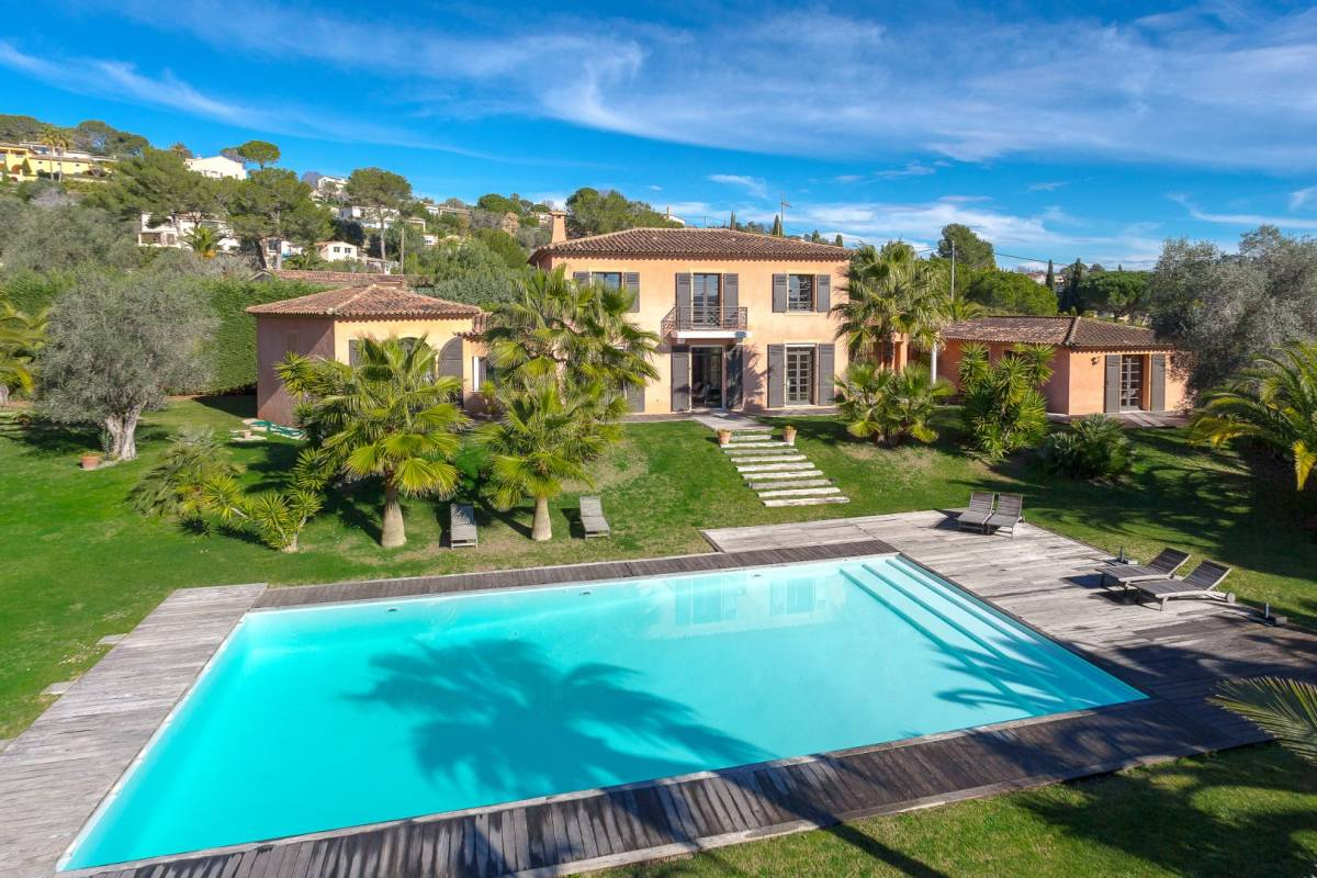 MOUGINS - Advertisement house for sale