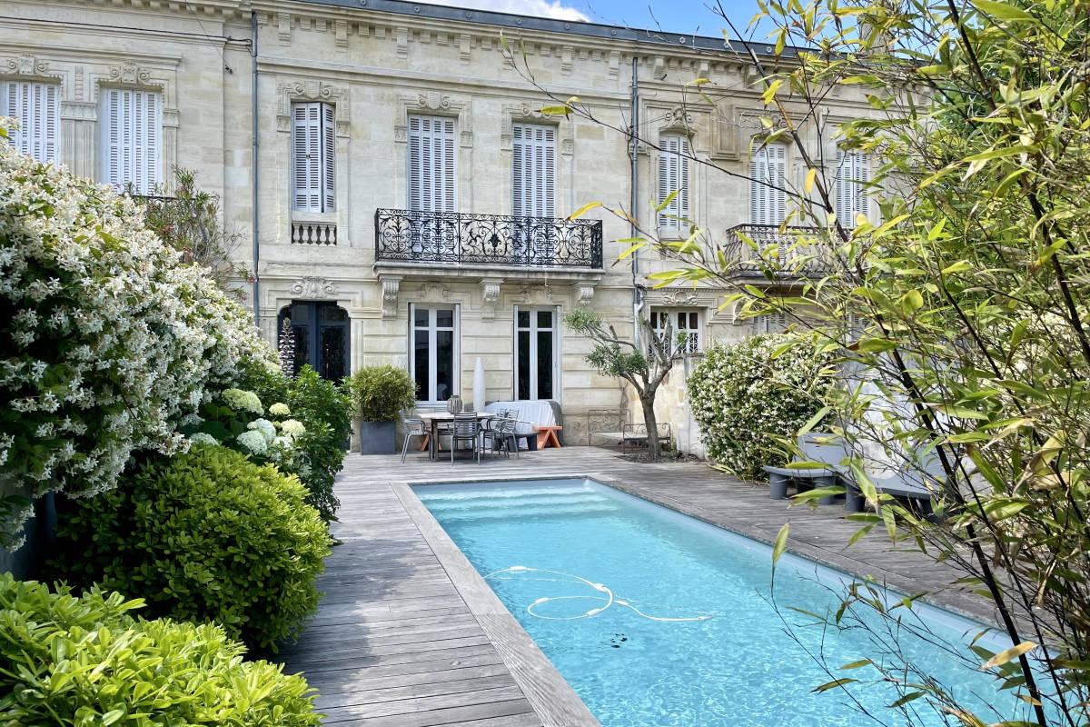 BORDEAUX - Advertisement house for sale