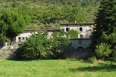 Maison à vendre à MONTCLAR SUR GERVANNE  - 15 pièces - 450 m²