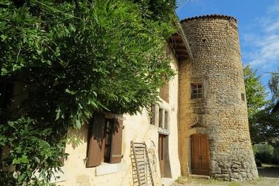Maison à vendre à ST-DONAT-SUR-L'HERBASSE  - 8 pièces - 450 m²