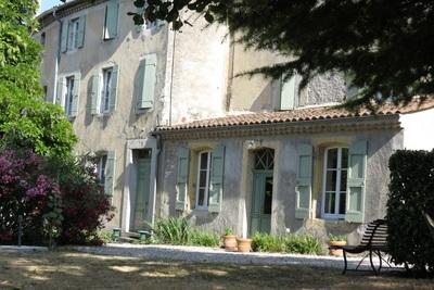 Maison à vendre à CHOMERAC  - 10 pièces - 400 m²