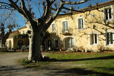 Maison à vendre à LE THOR  - 14 pièces - 550 m²