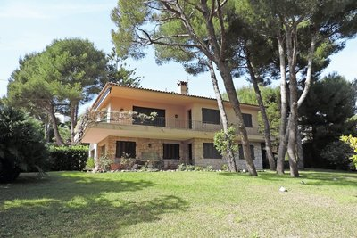 Maison à vendre à ST-JEAN-CAP-FERRAT  - 5 pièces - 200 m²