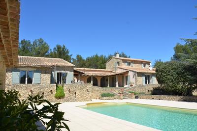 Maison à vendre à CABRIÈRES D'AVIGNON  - 8 pièces - 250 m²