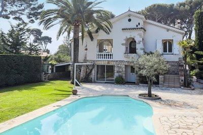 Maison à vendre à CAP D'ANTIBES  - 6 pièces - 260 m²