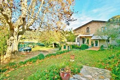 Maison à vendre à LORGUES  - 17 pièces - 450 m²